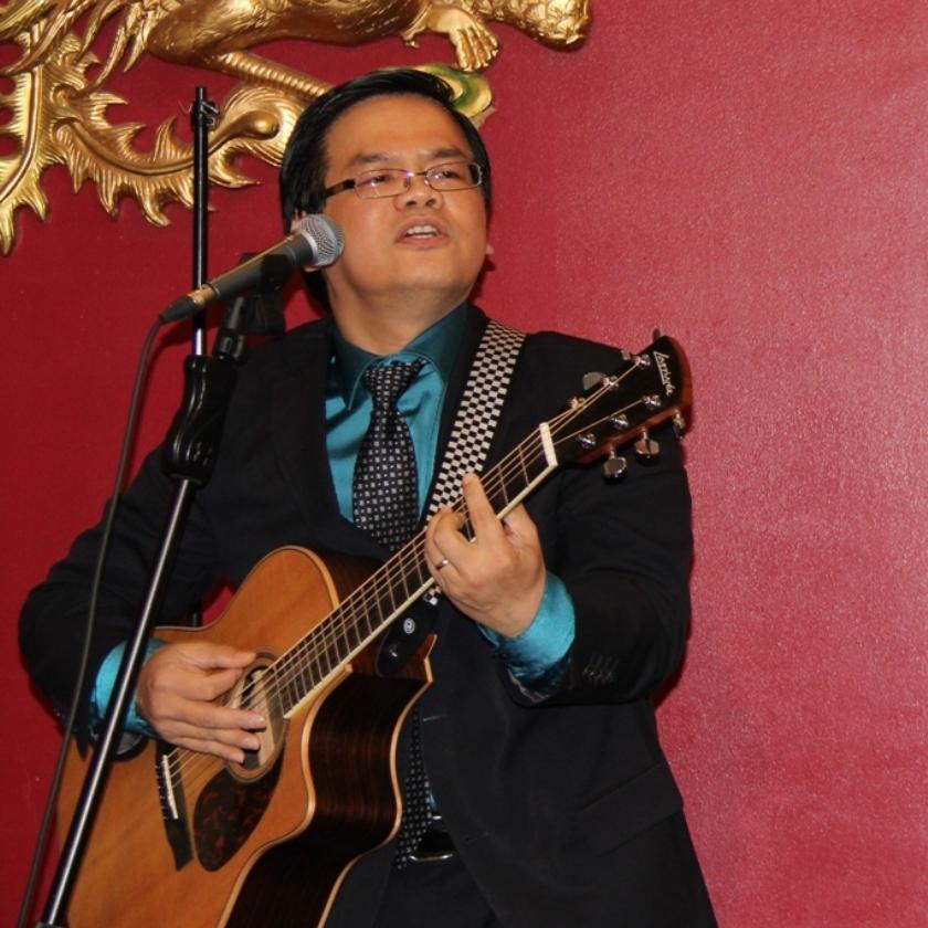 dune-nguyen-singing-an-original-tune